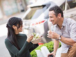 Vous vous demandez si au cours de vos déplacements vous pouvez utiliser vos titres-restaurants sur une aire d'autoroute ?